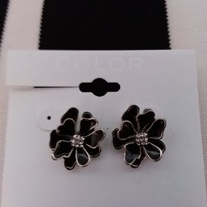 Color Jewelry - 🌹Nwt flower earrings 🌹